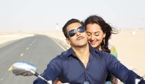 DABANGG 2 new song Sanson ne: Salman Khan and Sonakshi Sinha get romantic on a bike
