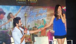 Shahid Kapoor turns choreographer for Priyanka Chopra