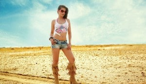 Ameesha Patel looks hot in sunglass ad!