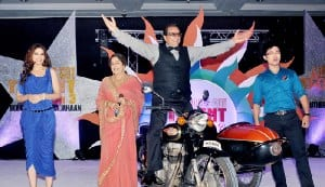 Dharmendra rides a bike at 'India's Got Talent 3′ launch