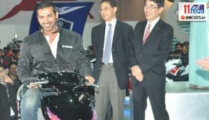 Auto Expo 2012: John Abraham, Ranbir Kapoor bring in the glamour quotient