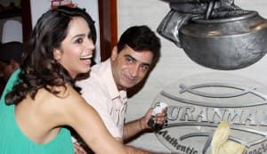 Mallika Sherawat makes jalebis!
