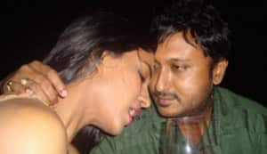 Is Veena Malik getting intimate with director Hemant Madhukar?
