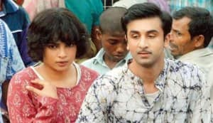 Priyanka Chopra and Ranbir Kapoor maintain a distance
