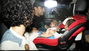 Aamir Khan and Kiran Rao hold Azad's little hand!
