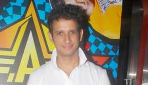 Sharman Joshi finally signs more films!