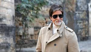 Amitabh Bachchan rides a 'phat-phatiya' for documentary