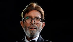 Rajesh Khanna finds support in family as his health deteriorates