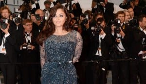 Cannes 2012: Aishwarya Rai Bachchan wears a clingy Elie Saab on the red carpet!
