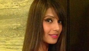 What do you think of Bipasha Basu's new hairstyle?