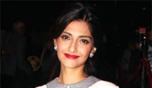 Why is Sonam Kapoor looking like a granny?