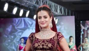 What's wrong with Ameesha Patel's sense of style?