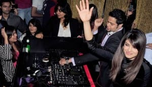 When Priyanka Chopra turned DJ for Mumbaikars: View pics!