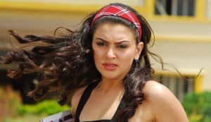 Hansika Motwani turns gangster for 'Vettai Mannan'