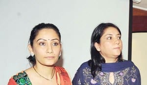 Sanjay Dutt's wife Maanyata and sister Priya visit him in Arthur Road Central Jail