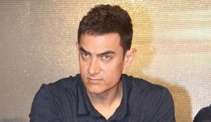 Aamir Khan surprised that Talaash was offered to Shahrukh Khan!