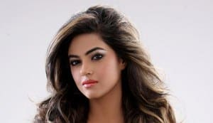 Priyanka Chopra's cousin Meera Chopra to make her Bollywood debut with Vikram Bhatt film