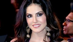 Have you seen Sunny Leone's first item song, Laila teri le le gi?: Watch video