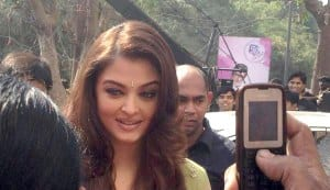 In Focus: Aishwarya Rai Bachchan shot by fan!