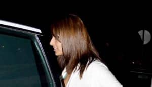 Bipasha Basu and Harman Baweja spotted in Juhu at Le Mangi