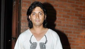 Why is Shirish Kunder not drinking?
