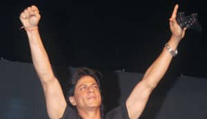 Shahrukh Khan apologises for MCA scuffle after KKR win IPL 2012 final!