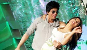 Shahrukh Khan and Priyanka Chopra see the light!
