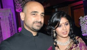 Sunidhi Chauhan ties the knot with Hitesh Sonik