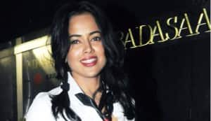 Sameera Reddy aims for Sandalwood