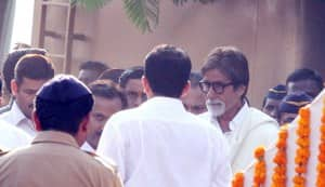 Balasaheb Thackeray funeral pics: Amitabh Bachchan, Sanjay Dutt, Riteish Deshmukh pay their last respects
