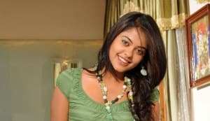 Bindu Madhavi recuperates after accident