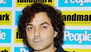 Why was Bobby Deol embarrassed on the sets of Yamla Pagla Deewana 2?