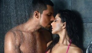 Sunny Leone and Randeep Hooda shower together!