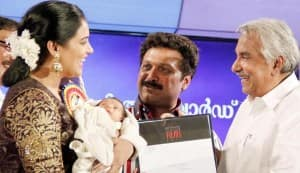 Kerala State Film Awards 2011: Shweta Menon & baby daughter steal the show!
