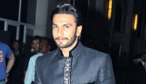 Deepika Padukone, Anushka Sharma and Sonakshi Sinha: Ranveer Singh uses the same flirting technique with all the ladies!
