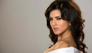 Why did Sunny Leone agree to do item number in Shootout At Wadala?