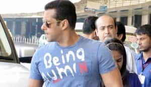 Salman Khan spotted at the airport with little sister Arpita